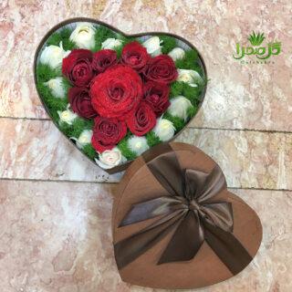 باکس گل رز با بهترین کیفیت در تولیدی گل صحرا